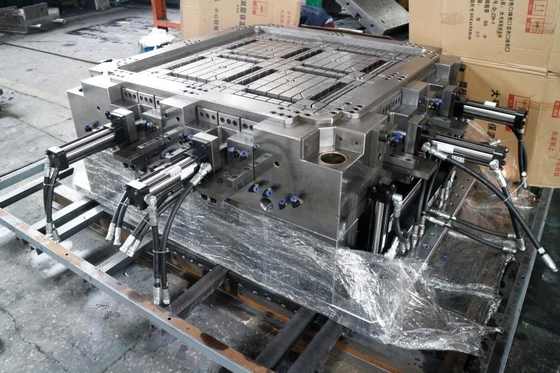 China Single Face / Double Face Injection Molding Molds / Plastic Pallet Molds High Precision supplier