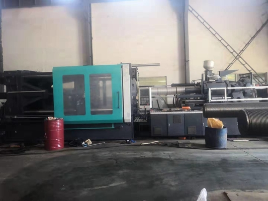 China Horizontal Standard 1000 Ton Injection Molding Machine Servo Energy Saving supplier