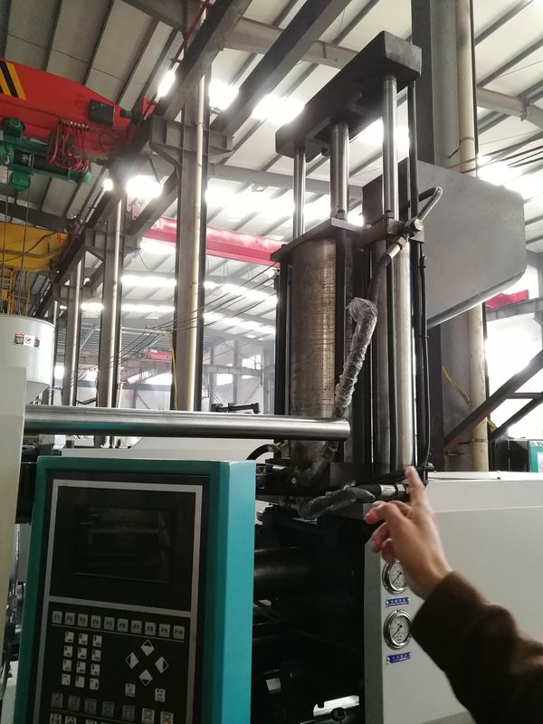 4KW Rated Power Auto Injection Molding Machine 12 Tons For Injection Products
