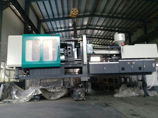 Energy Saving Plastic Injection Molding Machine 400 Tons / 4000KN with servo